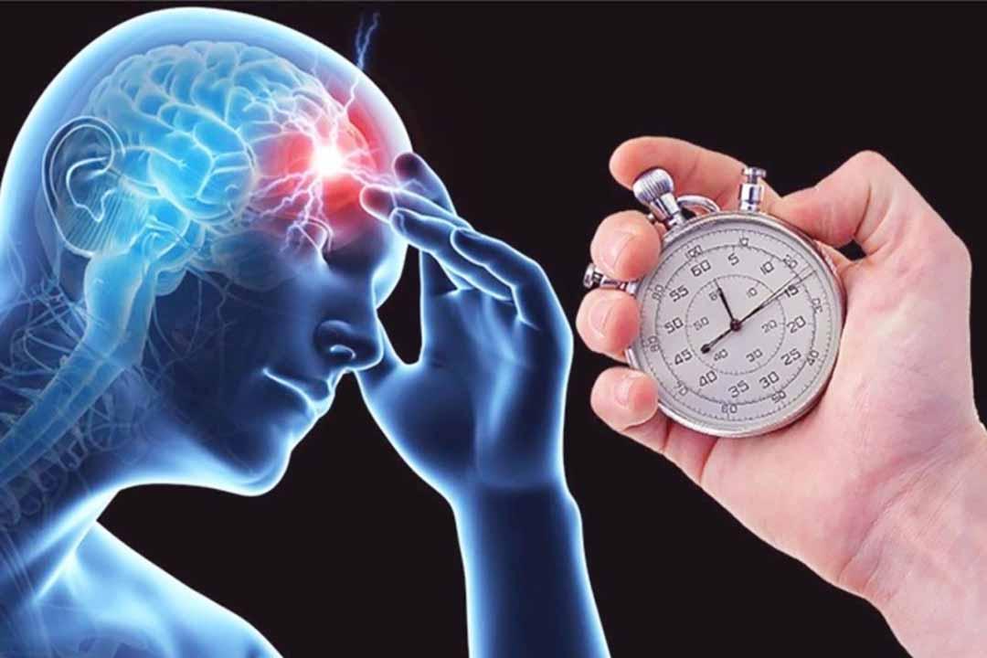 """Tận dụng """"giờ vàng"""" cấp cứu đột quỵ: Sự sống của người thân nằm trong hiểu biết của bạn"""