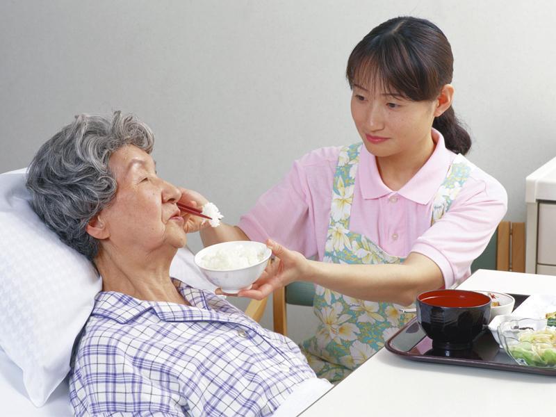 Dinh dưỡng cho người sau đột quỵ